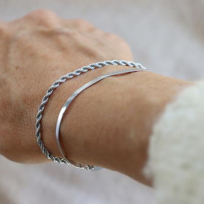 New bracelets this autumn! 🤩 Twist and Plain, also available as a necklace. Explore all the news on blomdahl.com > Skinfriendly jewellery > NEWS    #befriendly #hudvänlig #hudvänligasmycken #madeinsweden #blomdahl #foryouwithcare #skinfriendly #smycken