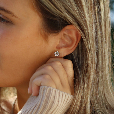 Do you love jewellery? So do we. 🥰  That's why we keep designing skin friendly and beautiful jewellery that you can wear every day. Find a store near you on blomdahl.com   #befriendly #hudvänlig #hudvänligasmycken #madeinsweden #blomdahl #foryouwithcare #skinfriendly #smycken